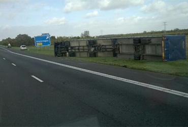 CNV Vakmensen bepleit totaal rijverbod vrachtwagens bij Code Rood